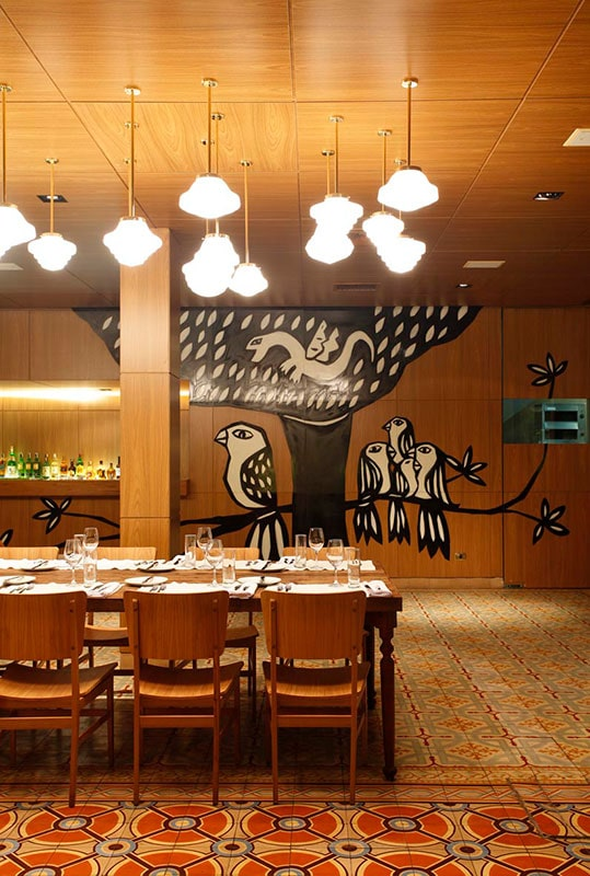 Interior do Restaurante Dalva e Dito, projeto do escritório de arquitetura Rosenbaum